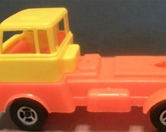 """Vintage Estrela Yellow and Red Plastic 4 Wheel Truck With Cab  Missing Bed 6"""" Long"""