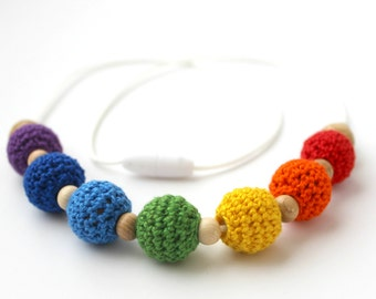 Rainbow Teething Necklace for Mom, Nursing Necklace, Baby Shower Gift, Chewable Beads, Crochet Wood Necklace Chewelry, Babywearing Necklace