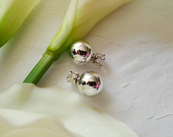 Double sided silver earring