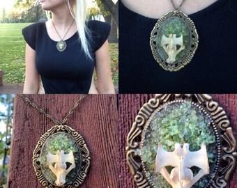 Vertebrae peridot necklace