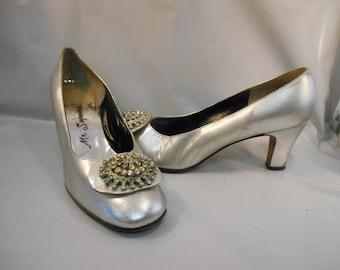 Vintage Silver Pumps w/ Rhinestone Embellishment Mr. Seymours Himelhoch's Detroit Heels Sz 7.5 M 1960's