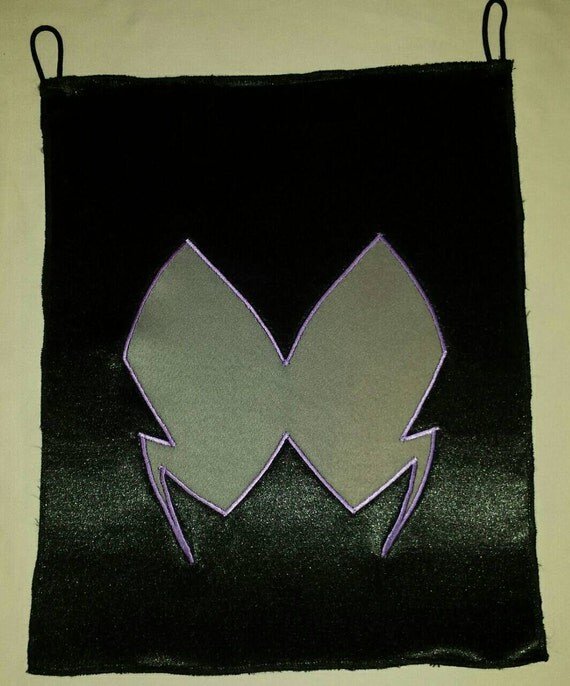 Hawkmoth Symbol Embroidered Applique Loop Top Banner