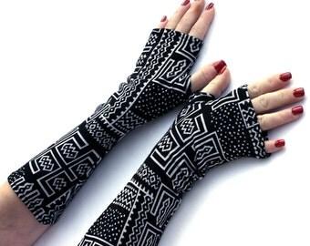 Schwarz und weiß Tribal Fingerless Gloves - Super Soft Armstulpen, Handschuhe, Hand Warmers, Manschetten, abstrakte Muster