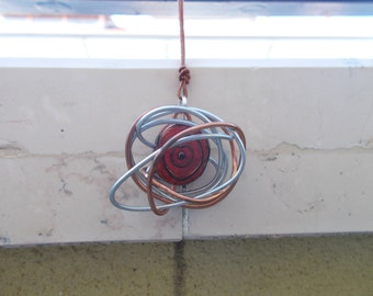 The spirit of the Earth-wire pendant with fiberglass stone