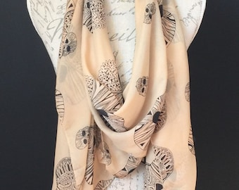 Skull beige and black scarf and a half