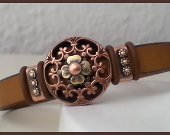 Women flat leather bracelet, tan color with author slide