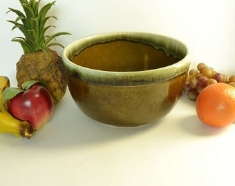 Vintage Green Drip Serving Bowl - Stoneware Bowl