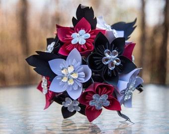 Red, white and black Kudusame flowers