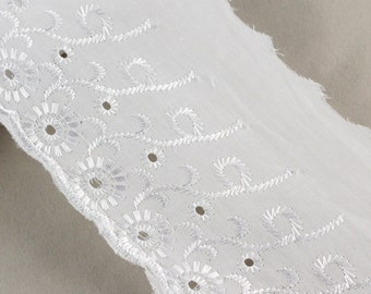 109.60 mts x Floral Broderie Anglais Lace 100mm  [Lace ref 404732X]