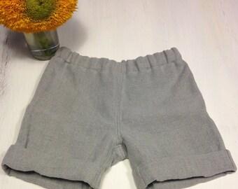Lightgrey linen shorts