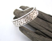 Ring with Wiggle Pattern in Fine Silver Silver Wedding Band Chunky Silver Band 999 SIlver Ring