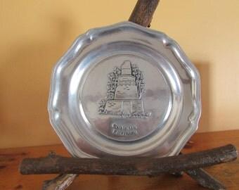 Codorus Furnace Assiette Décorative En Étain  /  VINTAGE Pewter Plate 9 Inches   VTG Assiette Décorative Made By Wilton Columbia PA