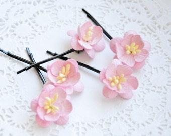 Bridal hair clips, Pink pins, Wedding flower pins, Peach bobby pins - set of five