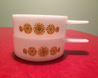 Vintage White Glass Glasbake/Ovenware Stacking Soup Bowls With Handles - Medallion Motif