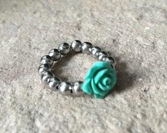 Gorgeous flower ring