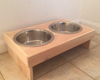 Raised Dog Feeder | Medium Sized Dogs | FREE SHIPPING!