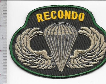 RECONDO US Army Reconnaissance & Commando School Airborne Qualified