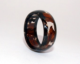 Wooden Ring - Windowed Desert Ironwood rimmed with Black Palm