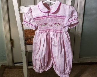 Vintage Pink Smocking Baby Girl Romper With Peter Pan Collar And Puffy Sleeves 12 Mos. 100% Cotton