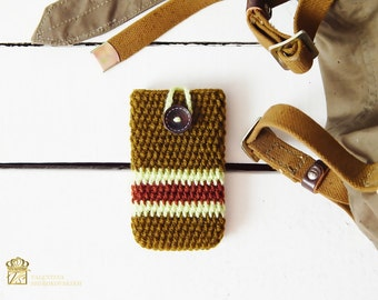 Boyfriend Gift. Smartphone sleeve. iPhone 7 case. Brown iPhone 7 Plus sleeve Also for iPhone 6s / 6s plus and iPhone SE. Green brown yarn.