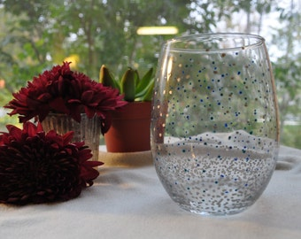 Polka Dot Stemless Wine Glass