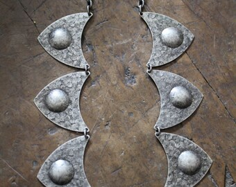 Vintage hand made chain necklace - shields - artisan