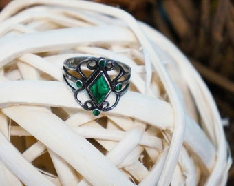 Intricately Detailed Green Turquoise Silver Ring