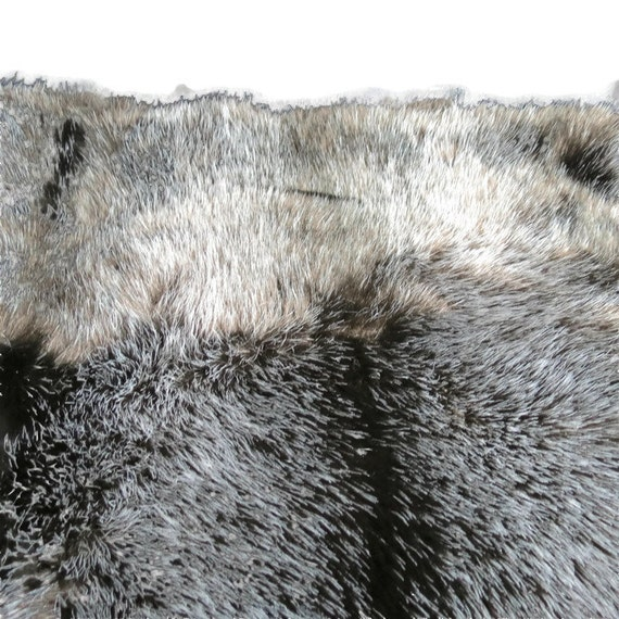 """Mink look faux fur, fake fur, in gray and silver - 30"""" x 60"""" - B12"""