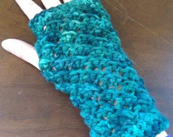 Green Fingerless Gloves - FREE SHIPPING