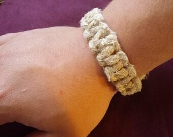 Thick hemp bracelet - plain
