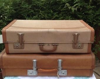 Lovely 1940s Tweed Vintage Suitcase