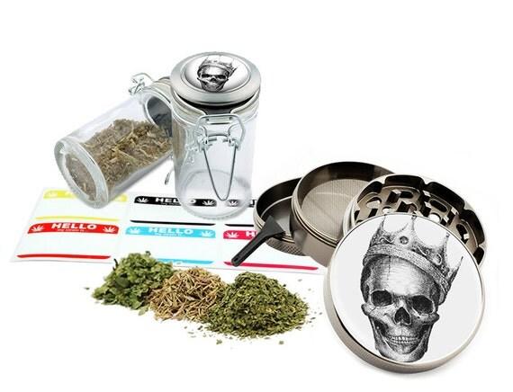 "Skull - 2.5"" Zinc Alloy Grinder & 75ml Locking Top Glass Jar Combo Gift Set Item # 110514-0022"