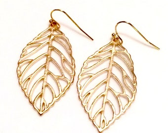 Gold Leaf Earrings - gold plated leaf earrings - Bridesmaid gift Canada -  Bohemian jewelry - Gold earrings Canada - Bohemian earrings
