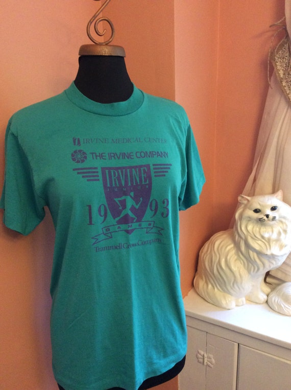 Vintage 90s T-Shirt, Irvine Medical Center, Marathon T- Shirt (A989)