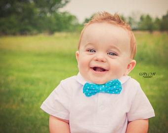 Baby Bow tie- Baby Bowtie- Baby boy- Blue Bowtie- Easter Bow tie- Easter Bowtie- Blue Bow tie- Photo Prop- Baby Boy Photo Prop- Bow tie baby