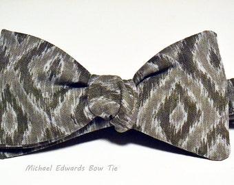 Snakeskin Mens Bow Ties - Animal Print Bow Tie - Mens Bow Tie - Gray Bow Tie - Mens Grey Bow Tie - Prom Bow Tie - Novelty Bow Tie - Bow Tie