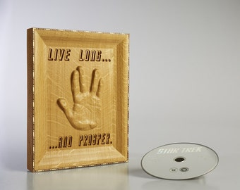 Star Trek Captain Spock Starship Enterprise Sci fi Star Trek Voyager Star Trek TNG 3D Vulcan Salute in Solid Oak
