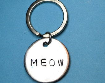 Cat lover, Cat person, Meow, Cat lover gift, Cat person gift, Gift for cat lover, UK, Cat owner, Pet tag, Kitty, Meow Keyring, Meow Keychain