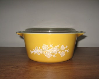 VINTAGE** Butterfly Pyrex Mixing Bowl # 442 With Cover