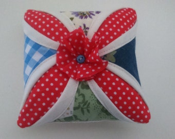 Cathedral Window Patchwork Pin Cushion (PC010)