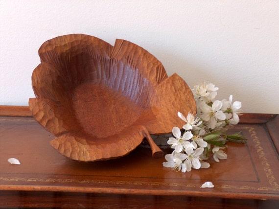 Vintage hand carved wood maple leaf dish