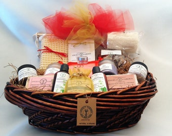 Spa Gift for women.Deluxe Basket.Womens gift.Natural Organic Bath set.Spa Gift for her.Christmas gift set.Bath & Body gift set.ChristmasGift