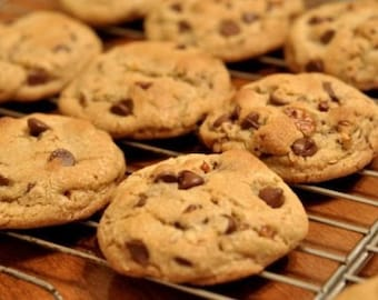16 Cookies Per Order - Large home made chocolate chip cookies