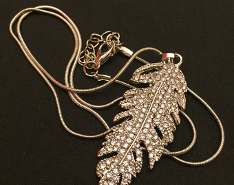 Silver/Gold feather necklace with rhinestones