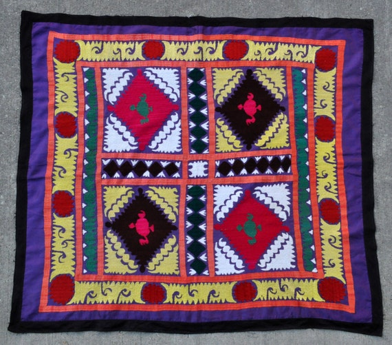 "Vintage Suzani Embroidery Textile from Uzbekistan - 40"" x 45"" - 102 x 115 cm. - Free shipping!"