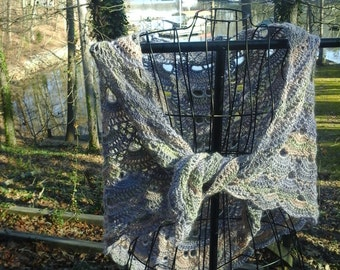 Lucy shawl