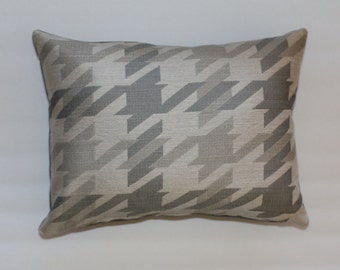 Urban Chic 12x16 Pink and Beige Houndstooth Decorative Throw Lumbar Pillow