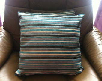 Cushion covers with zips