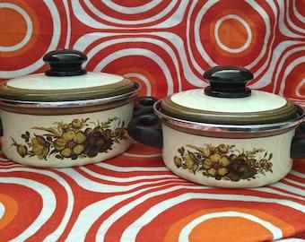 Vintage Enamel Pots, Pair of 1970s Floral-Design Pots, Vintage Cookware