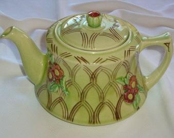 Vintage Green Floral Musical Teapot